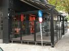 τεντα πέργκολα διαστάσεων 8X5 Και τζάμια τρίπλεξ ανακλινόμενο με προφίλ αλουμινίου βαμμένα με ειδική βαφή ραλ χρώματος μαύρο